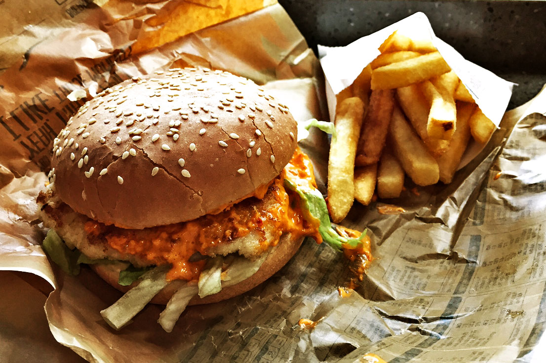 Oporto Bondi Chicken Burger Review Food Critic HolyCluck Holy Cluck Sandwich Chook Eran Thomson